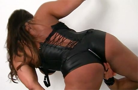 Huge muscular Goddess teasing her girlfriend in leather from wonderful katie morgan